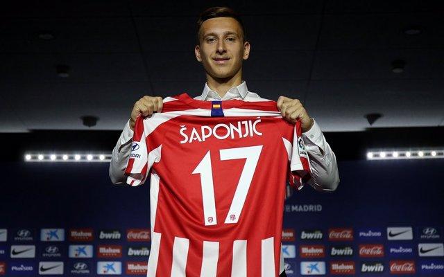 El delantero serbio Ivan Saponjic, presentado como jugador del Atlético de Madrid