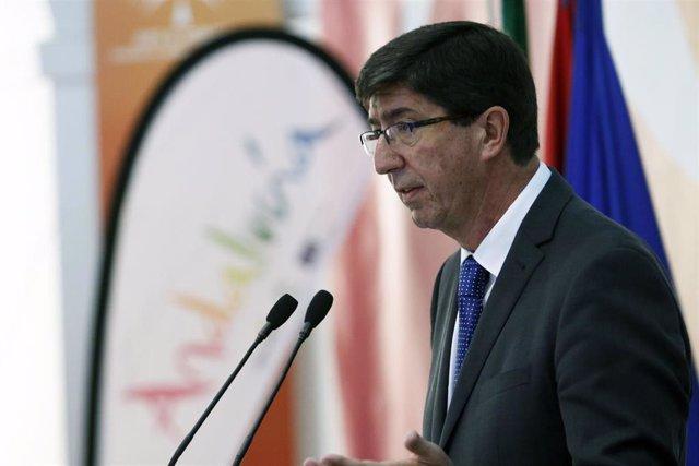 El vicepresidente y consejero de Turismo, Regeneración, Justicia y Administración Local, Juan Marín, presenta la campaña de promoción de Andalucía en verano. En Málaga.
