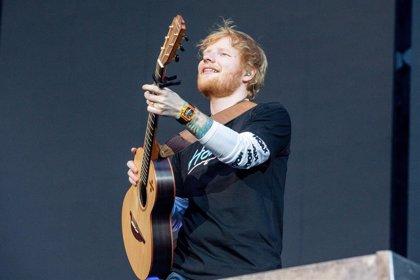 Escucha el flamante nuevo álbum de Ed Sheeran acompañado por ilustrísimos amigos