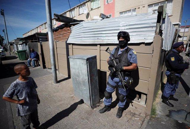 Policía desplegada en Ciudad del Cabo por la visita del presidente sudafricano, Cyril Ramaphosa