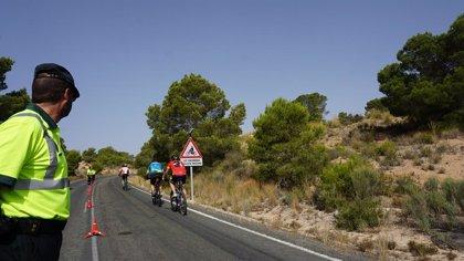 Nuevas señales electrónicas de la DGT alertan a los conductores de la presencia de ciclistas