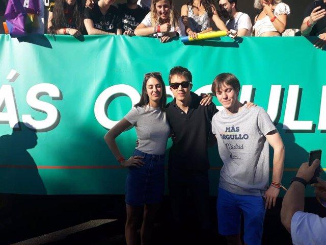 Rita Maestre, Íñigo Errejón y Eduardo Rubiño acuden a la manifestación del Orgullo. Archivo