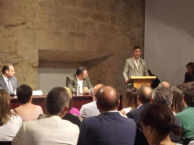 Alfonso Cendón, durante su intervención en la firma del acuerdo de Gobernabilidad de la Diputación de León.