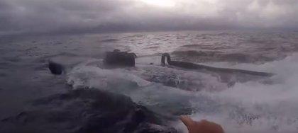 Graban la espectacular persecución en alta mar de un narcosubmarino que transportaba cocaína a Panamá, México y EEUU