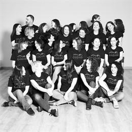 Coro femenino Ensemble Alaia, dirigido por Daniel de la Puente.