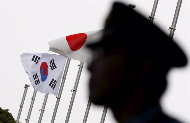 Banderas de Corea del Sur y Japón