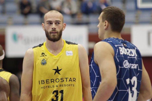 Pierre Antoine Gillet (Iberostar Tenerife)