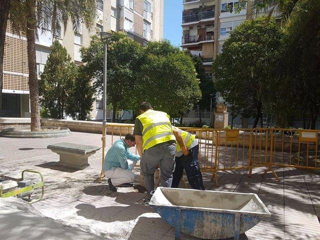 El Ayuntamiento de Jaén ejecuta reparaciones y labores de mantenimiento en el barrio del Polígono del Valle y la zona centro