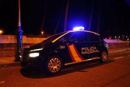 Detenidos dos hombres por intimidar a una chica mediante tocamientos en una zona de ocio de Xàtiva