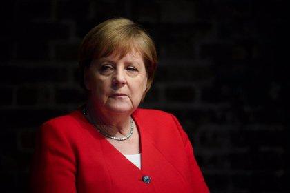 Merkel llama a resistir a la ultraderecha en el aniversario del intento de golpe de Estado contra Hitler