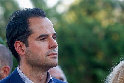 "Aguado garantiza que Cs no dará ""ningún paso atrás"" en materia de derechos tras pedir Vox información sobre charlas LGTB"