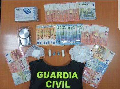 Detenida una mujer tras incautarle 80 gramos de cocaína en el establecimiento que regenta en Xinzo de Limia (Ourense)