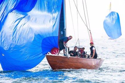 La Infanta Doña Elena vence con el 'Erica' la primera prueba del Trofeo Almirante Rodríguez Toubes