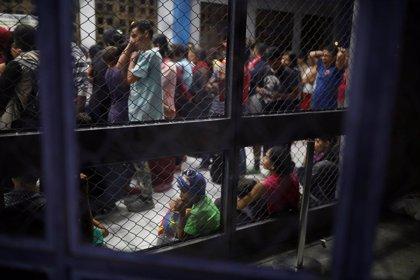 Chile confirma la muerte del hijo en gestación de una venezolana que aguardaba a entrar en el país
