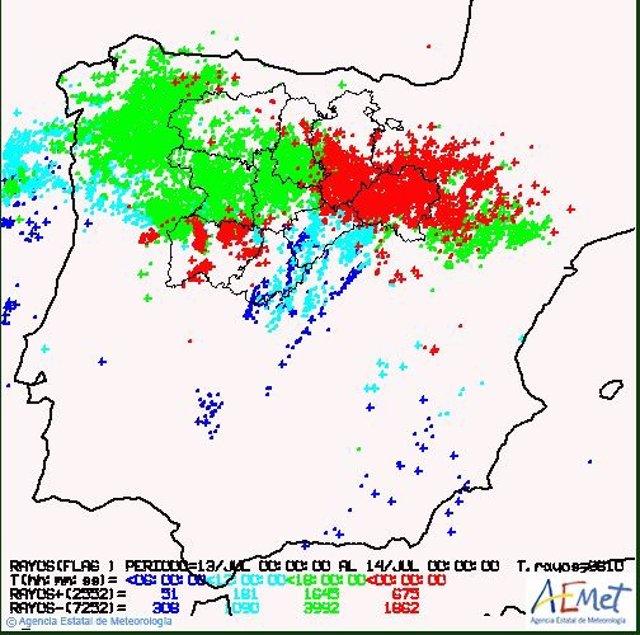 Imagen de los rayos caídos ayer en Castilla y León.