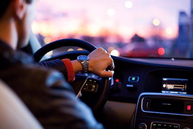 Conductor en un coche, recurso