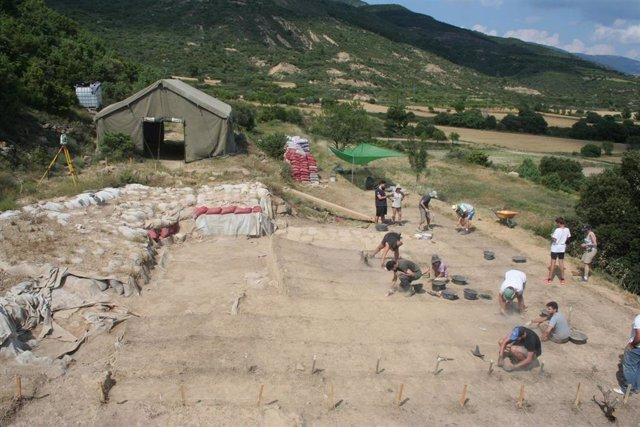 Momento de la excavación en Marcuello en campañas pasadas.