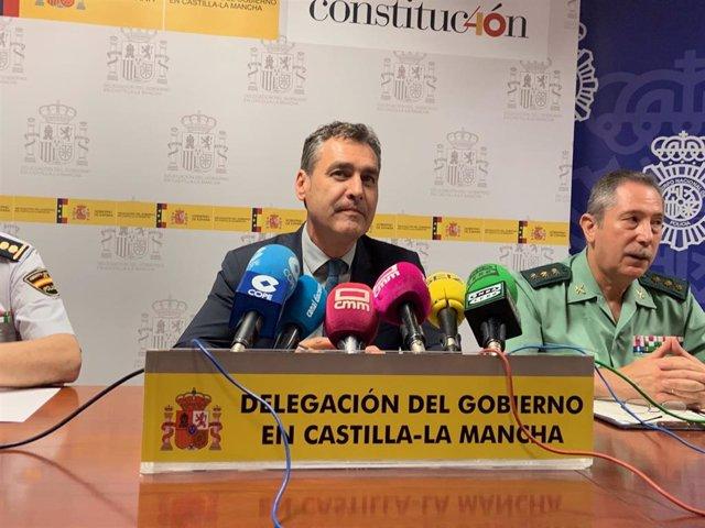 El delegado del Gobierno, Francisco Tierraseca, informa de la desarticulación de una banda criminal en Toledo.