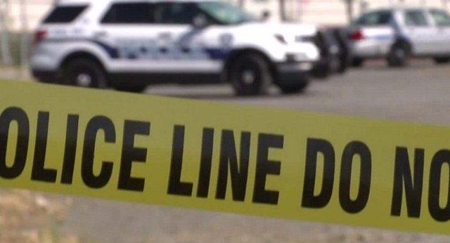 Linea policial. Hombre muere a manos de la policía tras intentar incendiar un centro de migrantes