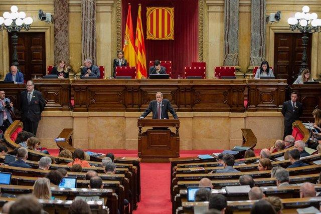 El president de la Generalitat, Quim Torra, intervé davant el ple en una imatge d'arxiu.