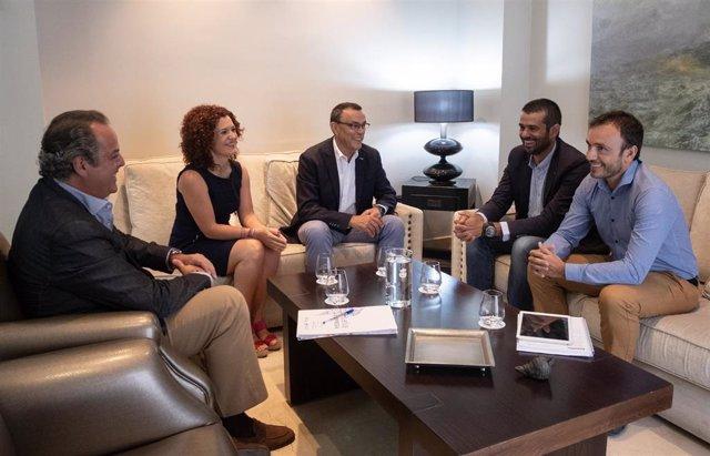 El presidente de la Diputación de Huelva, Ignacio Caraballo, se reúne con la empresa Naturcode.