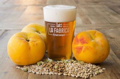 La Cruzcampo Fruity Ale con Melocotón de La Fábrica de Málaga, cerveza del verano