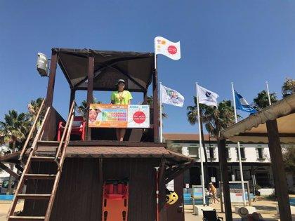 La campaña de Fotoprotección inicia junto a Mijas su estrategia en las playas con la iniciativa 'Ojo con el UVI'