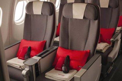 Iberia reduce en 68,5 toneladas el plástico a bordo de sus aviones con medidas de reducción, reutilización y reciclaje