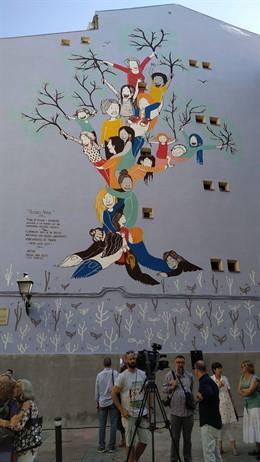Mural contra la violencia machista en la calle Humilladero.