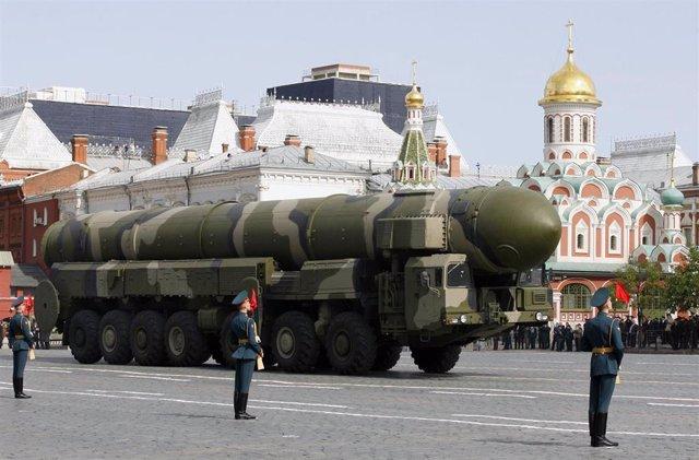Desfile militar ruso con el despliege de misiles intercontinentales nucleares