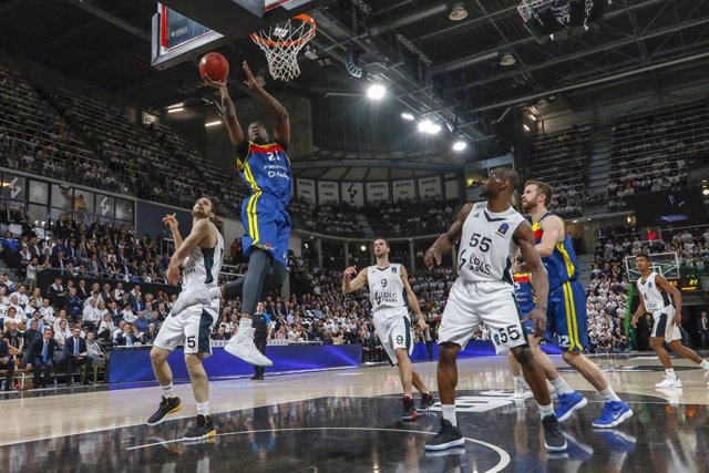 Moussa Diagne of Andorra and Miro Bilan of Lyon during the 2019 EuroCup Basketball Game 1 of quaterfinals between LDLC ASVEL Villeurbanne and Morabanc Andorra on March 5, 2019 at Astroballe in Villeurbanne, France - Photo Romain Biard / Isports / DPPI