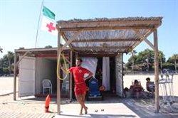 Problemes en municipis costaners per cobrir les plantilles dels socorristes de les platges (ACN)
