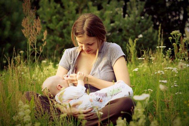 Lactancia, amamantamiento, bebé, lactante