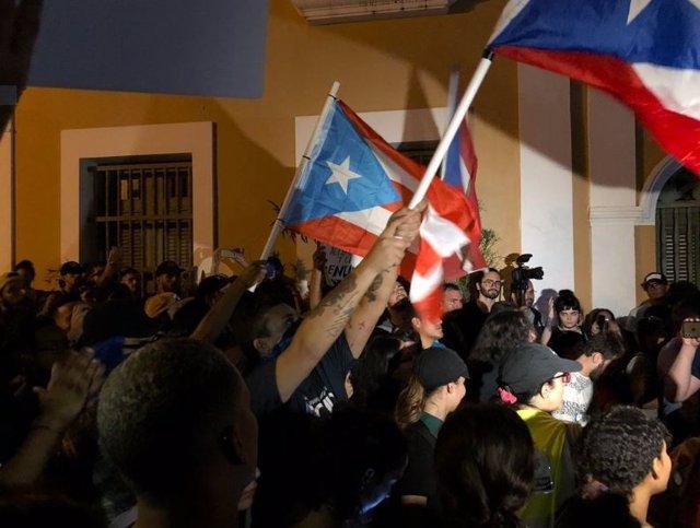 Manifestación contra el gobernador Rosselló en San Juan