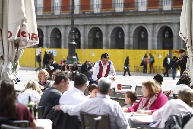 Imagen de recurso de una terraza del centro de Madrid.