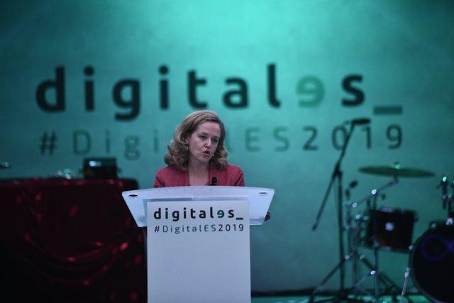 La ministra de Economía y Empresa en funciones, Nadia Calviño, durante su intervención en la presentación de la revista de economía ICE.