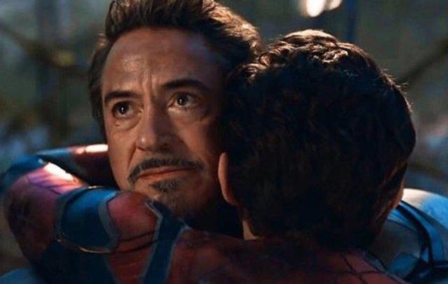 Imagen de Spider-Man e Iron Man en Vengadores: Endgame