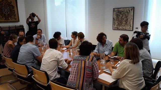Reunión de representantes del PSN, Geroa Bai, Podemos e I-E para negociar el modelo de Gobierno en Navarra
