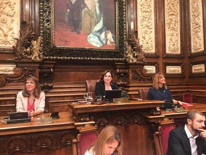 El Ayuntamiento de Barcelona aprueba la organización municipal tras un acuerdo de última hora