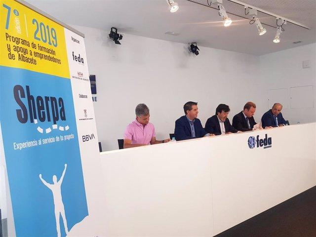 La Confederación de Empresarios de Albacete presenta la VII edición del programa de apoyo a emprendedores 'Sherpa'.