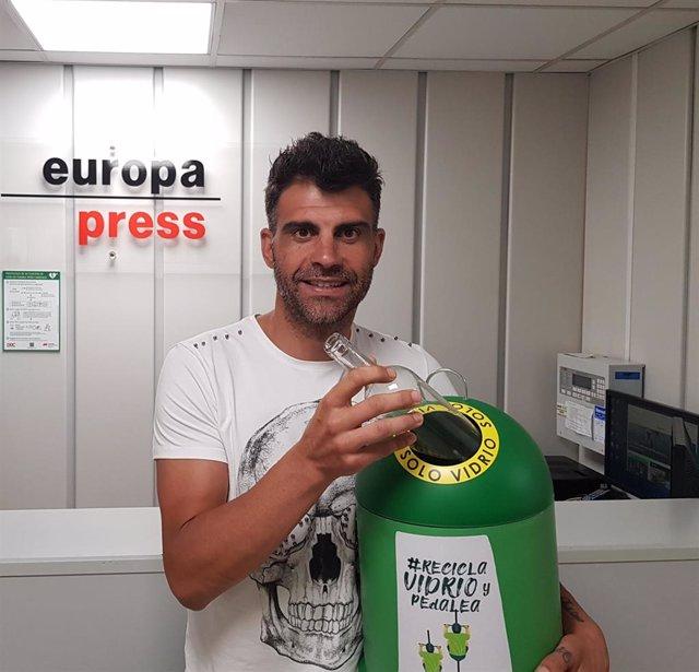 El exciclista Óscar Pereiro, ganador del Tour de Francia de 2006, en la redacción de Europa Press