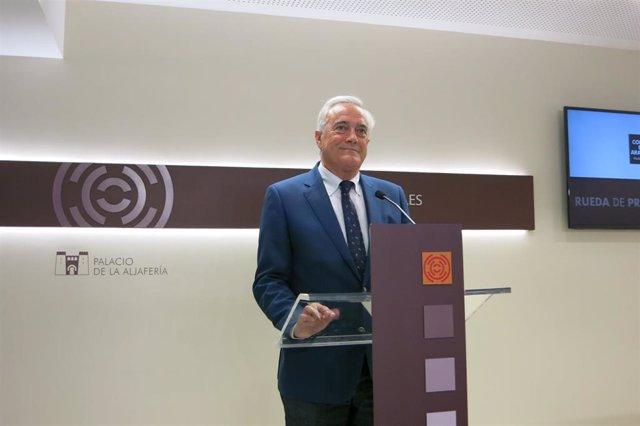 El presidente de las Cortes de Aragón, Javier Sada, durante su comparacencia.