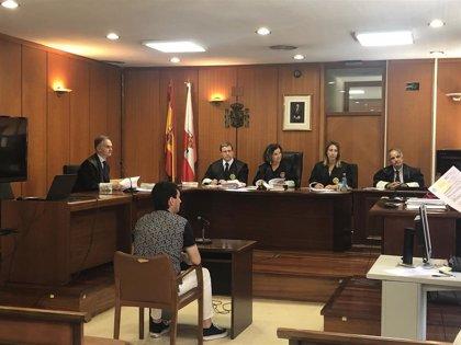El acusado de apuñalar a un hombre en un club de Santander reconoce los hechos y acepta tres años de prisión