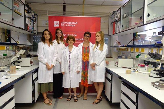 Las investigadoras encargadas de los tres trabajos.