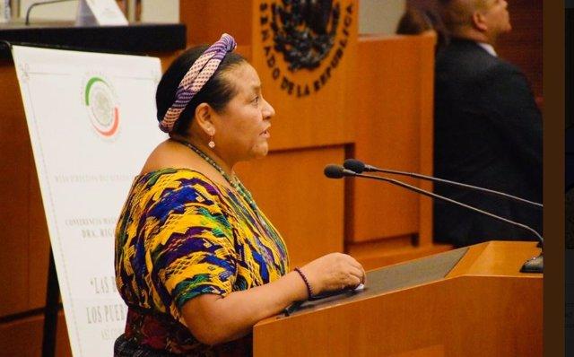 Rigoberta Menchú en el Senado de México