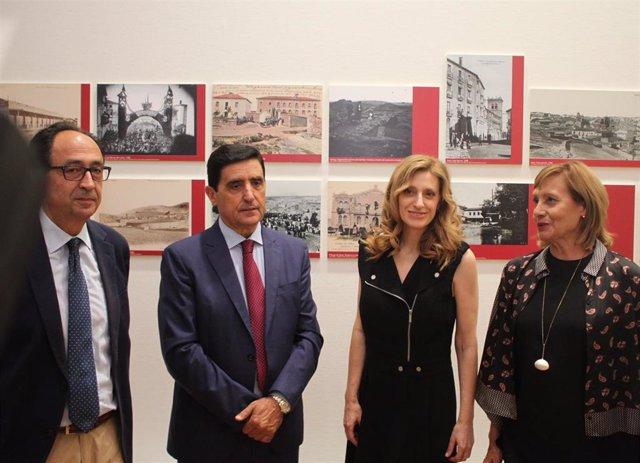 De izda a dcha, Manuel López, Carlos Martínez, Mar Sancho y Mariam Arlegui.