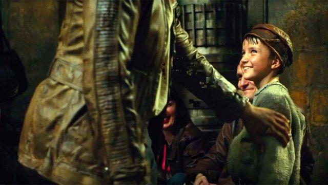 Imagen de Temiri Blagg, el niño que aparece en la escena final de Star Wars: Los últimos Jedi