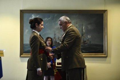 """Patricia Ortega recibe el fajín de general """"orgullosa"""" de las Fuerzas Armadas"""