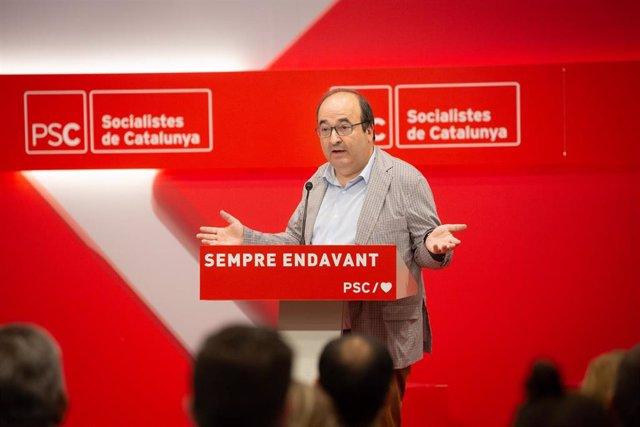 ARCHIVO / El primer secretario del PSC, Miquel Iceta, interviene en la clausura de la escuela de verano del PSC en la Sede del PSC de Barcelona .