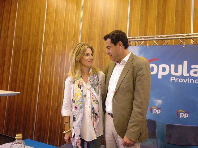 Ana Mestre con Juanma Moreno